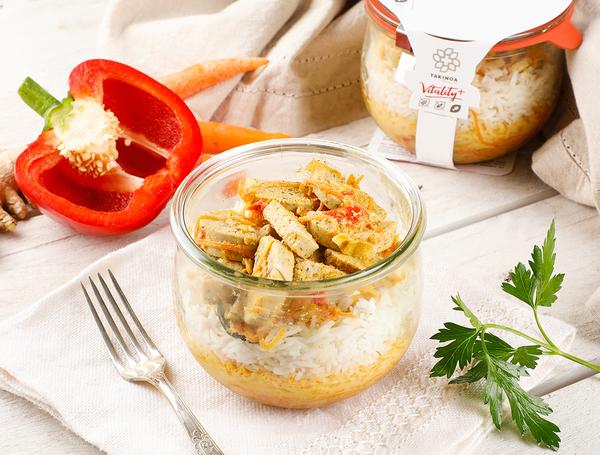 Tandoori Tofu mit Saisongemüse & Basmatireis, 360g von TAKINOA bei Farmy.ch online einkaufen.