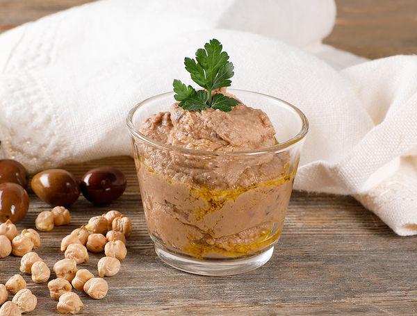 Hummus mit Oliven, 250g von Oriental Catering bei Farmy.ch online einkaufen.