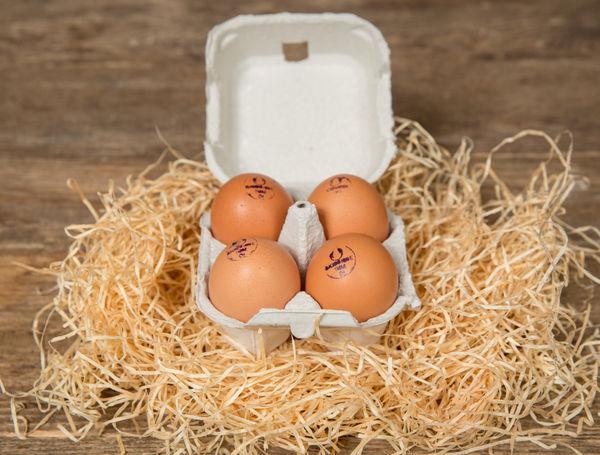 Eier Bio Suisse, 4 Stück von Hof Blum bei Farmy.ch online einkaufen