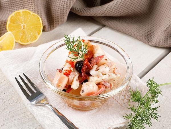 Meeresfrüchte Salat, ca. 150g von Zahner Fischhandel bei Farmy.ch online einkaufen.