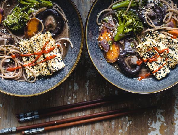 Miso-Suppe mit Sesam Tofu