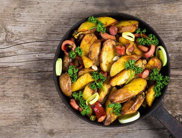 Bärlauch-Bratwurst Gemüsepfanne
