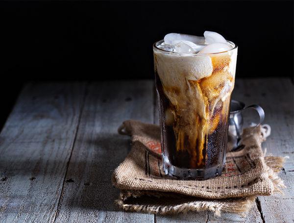Eiskaffee mit LILAH Chai Cream Liqueur